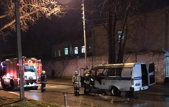 В Ростове сгорела «газель» полиции
