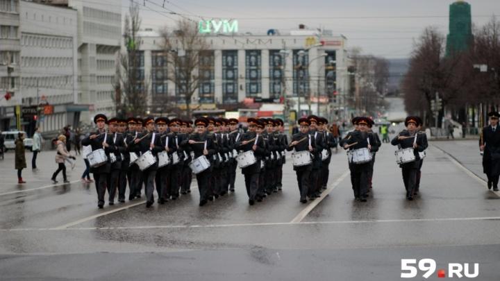 В Перми прошла генеральная репетиция парада Победы. Как это было
