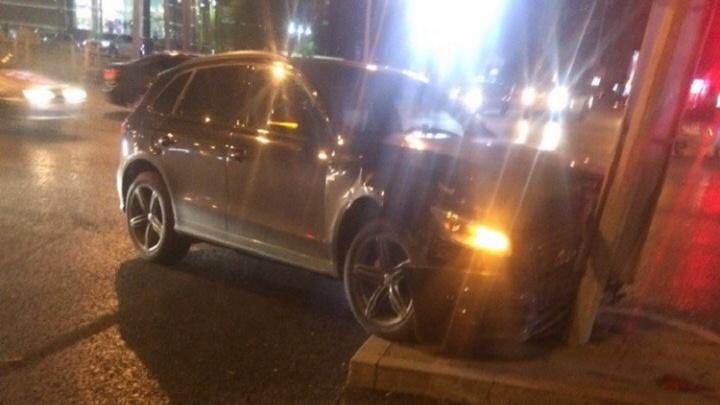 Авария у «Галереи Вояж»: столкнулись Audi и Lexus