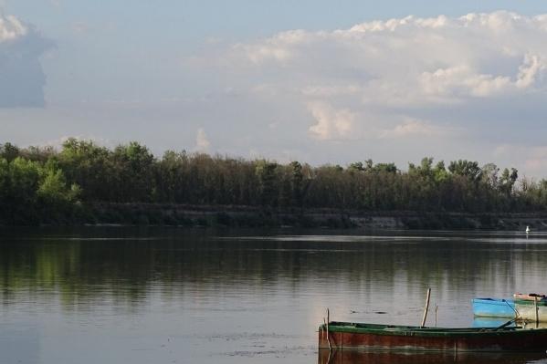 Мужчины выбились из сил и не могли доплыть до берега Дона