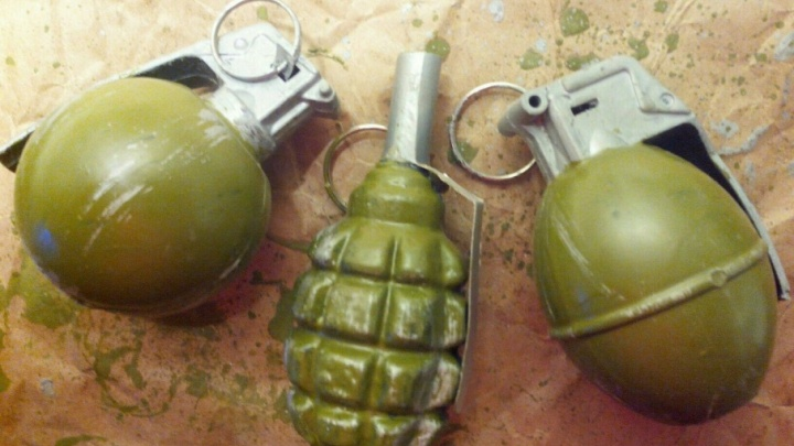 У предпринимателя из Ростовской области вымогали 3 млн рублей, угрожая гранатой