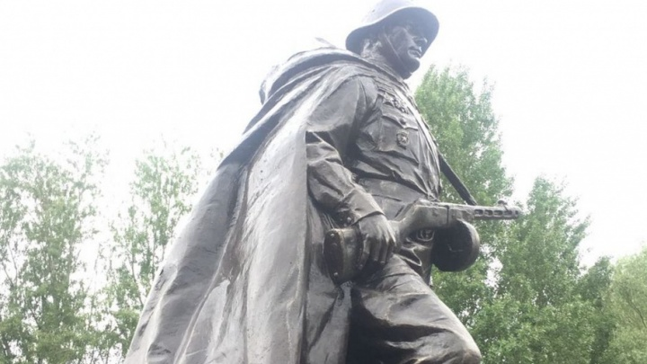 В Кумженской роще открыли памятник «Советскому солдату»