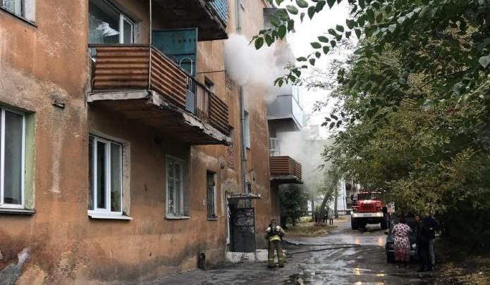 На пожаре в Магнитогорске спасли 16 взрослых и четверых детей