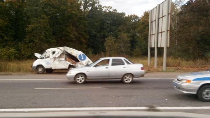На трассе под Самарой заснувший водитель фуры смял «газель»