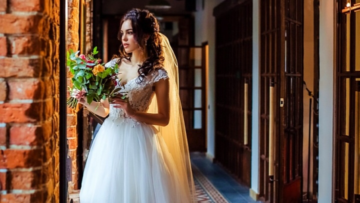 «Мисс Волгоград — 2017» огорчила поклонников фото в свадебном платье