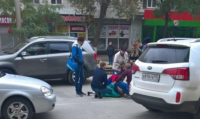 В Ворошиловском районе на пешеходном переходе сбили пенсионерку