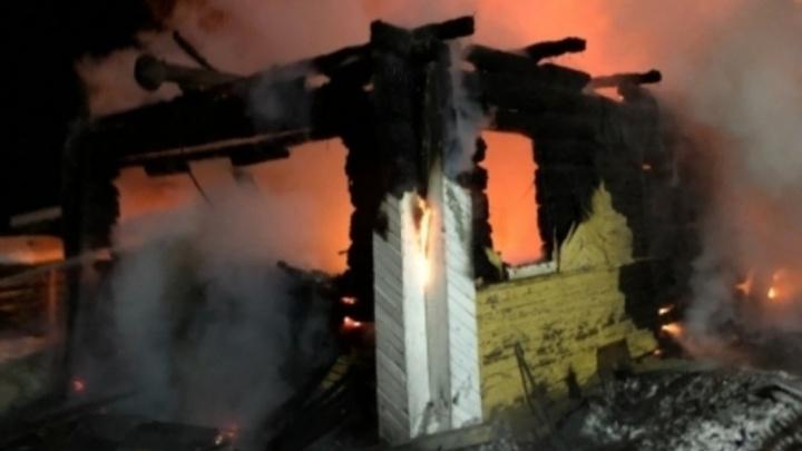 Под Котласом дом сгорел из-за забывчивости хозяйки