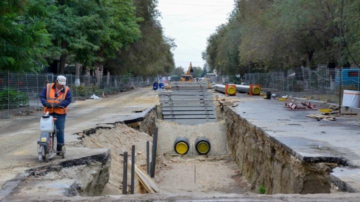 В центре Волгограда новые теплотрассы прячут в простой песок