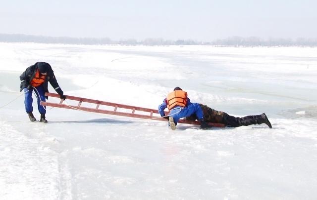 Сотрудники ПСС СО провели тренировку по спасению людей на открытой воде