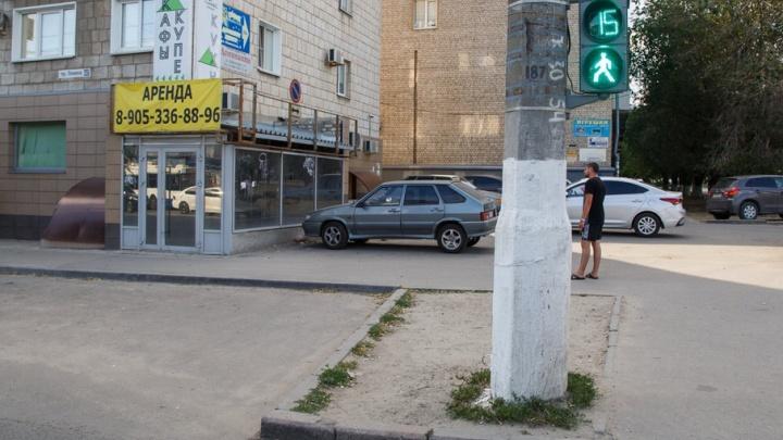Новый светофор избавит улицу Рокоссовского от вечных пробок