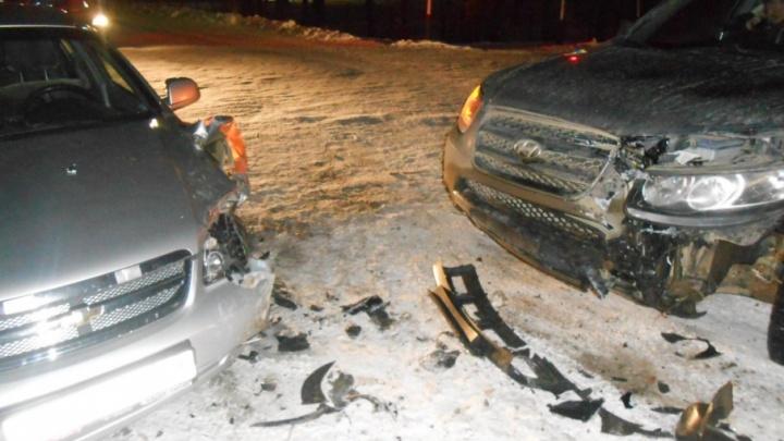 В Каргополе «Hyundai Santa Fe» врезался в «Шевроле лачетти»