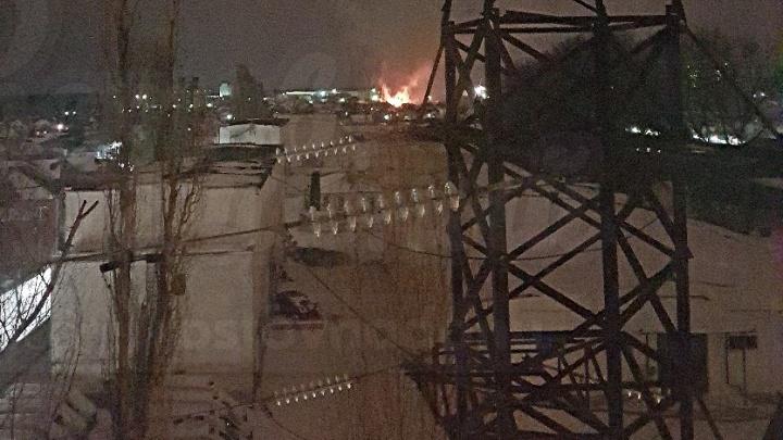 Ночью в Ростове бушевал пожар в частном секторе: есть жертвы