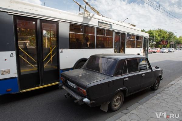 Волгоградские автомобилисты знают причину своего автохамства