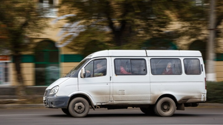 В Волгограде водитель маршрутки наехал на шестилетнюю девочку