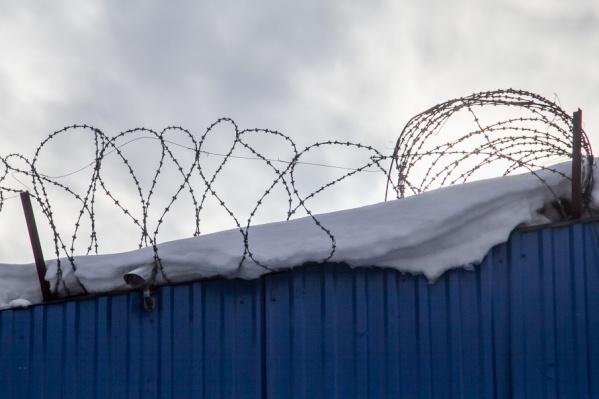 Перед Новым годом участились случаи перебросов «запрещенки» в колонии