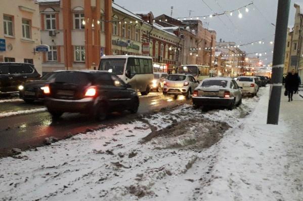 Освещение центральной улице Ярославля вернули