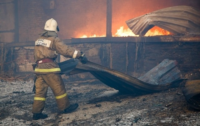 КАМАЗ сгорел под Волгоградом из-за неисправности топливной системы
