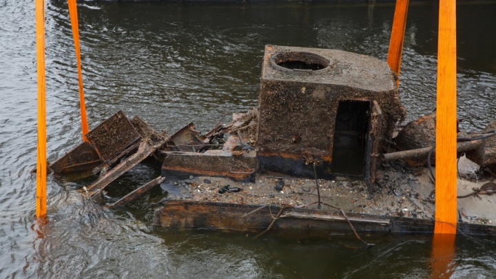 Найденный напротив Волгограда военный бронекатер не удалось погрузить на баржу