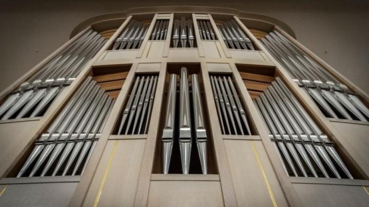 Король инструментов: гуляем по 13-тонному органу пермской филармонии