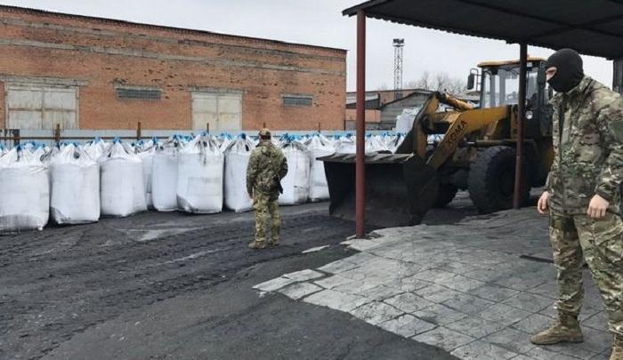Бизнесмен из Ростовской области незаконно перевез в Украину уголь на 65 млн рублей