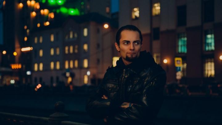Участник «Битвы экстрасенсов» Намтар Энзигаль прокомментировал обвинение в мошенничестве