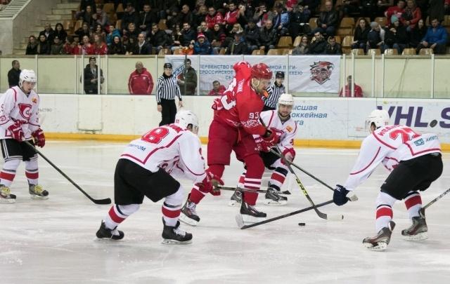 ХК «Ростов» проиграл в третьем матче серии плей-офф «Спутнику»