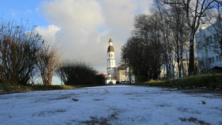 В понедельник в Поморье будет снежно и пасмурно