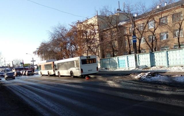 В Перми из-за столкновения двух автобусов пострадала школьница