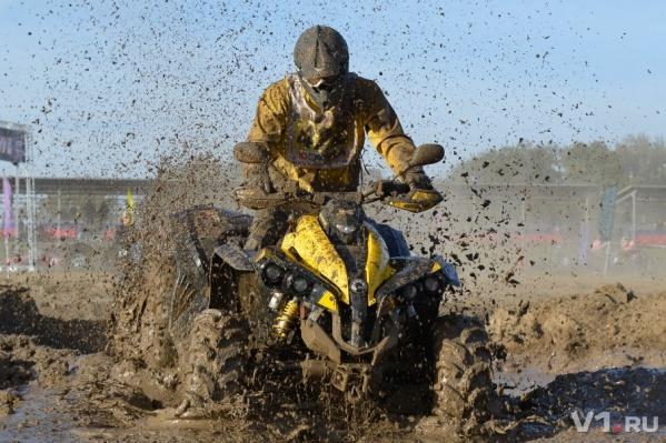 Не утонуть в грязи и дойти до финиша!