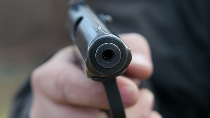 Боевой «Хорхе»: мужчину расстреляли из пистолета на стадионе в Челябинской области
