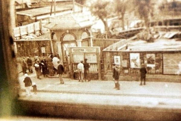 Троицкий проспект в 1941 году. Тем летом город узнал страшную весть о наступлении войны