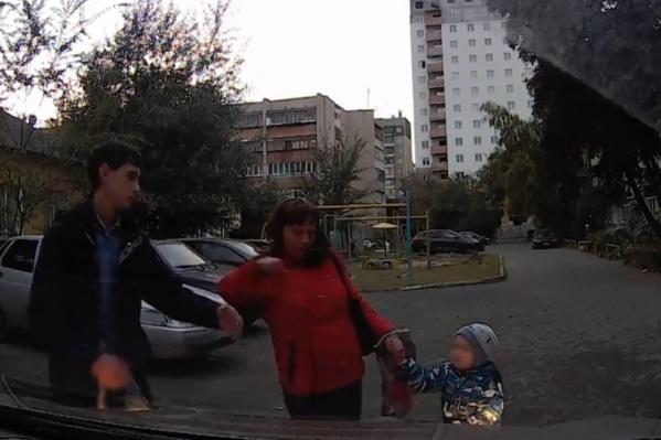 Так женщина наказывала водителя, припарковавшегося на привычное ей место