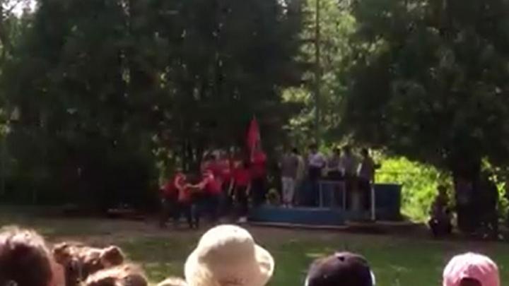 Очень внезапно, царь: в Ярославле детям в лагере предложили «маленькую революцию»