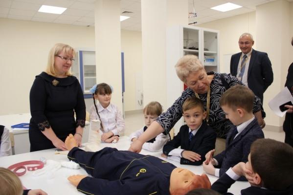 Министр образования России Ольга Васильева задавала много вопросов школьникам
