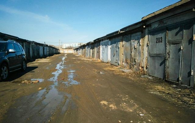 В Тольятти ночью спасатели обнаружили тела автолюбителей в гаражах