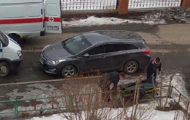 В районе ДОК «Красный октябрь» прохожие нашли на тротуаре тело мужчины