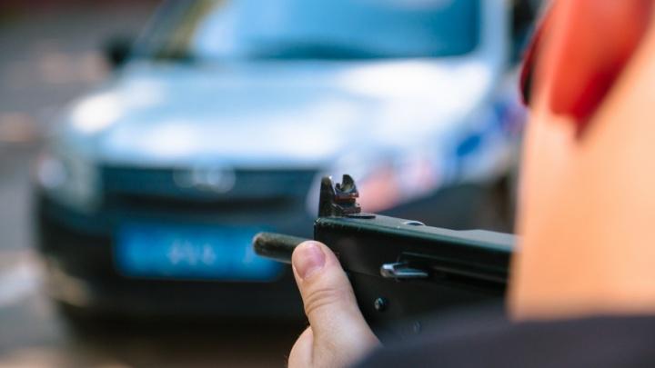 В Самаре мужчина стрелял из пневматики с балкона по домам и машинам