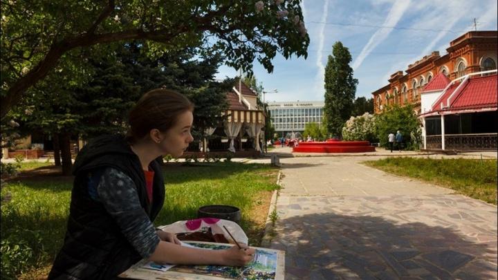 Больше сотни художников нарисовали Волгоград в стиле известных мастеров