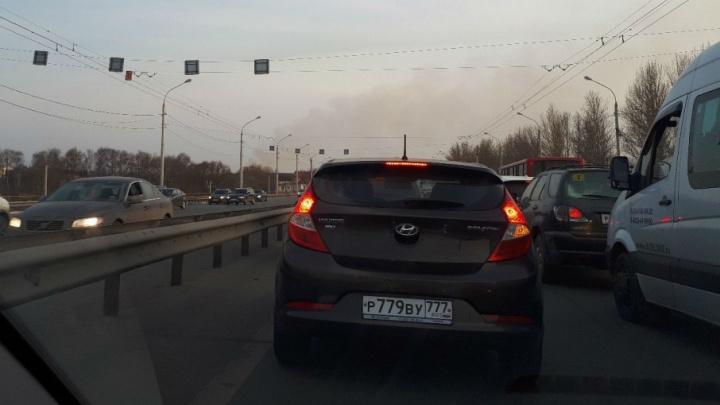 Из-за крупного пожара Московский проспект встал в огромную пробку