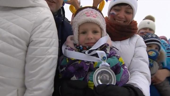Биатлонист Мартен Фуркад подарил свою медаль шестилетней девочке из Ярославля