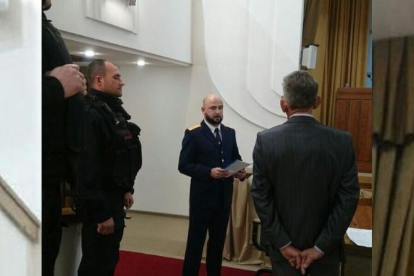 Также вчера прямо на совещании задержали топ-менеджера «ЗБТ-Волгоград»