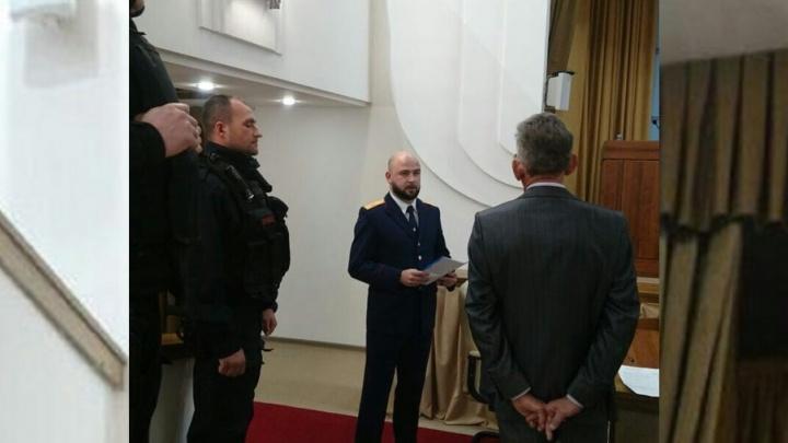 Двух топ-менеджеров волгоградских заводов пригласили в прокуратуру