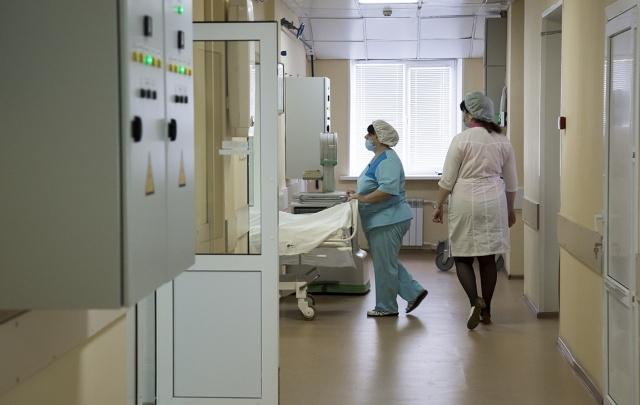 В Самаре судят пластического хирурга за излишне дорогие грудные импланты