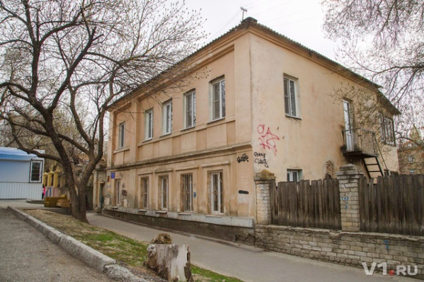 Это здание мешает планам чиновников по развитию города