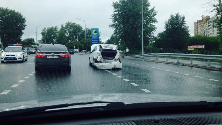 В аварии на 2-й Луговой пострадал мужчина
