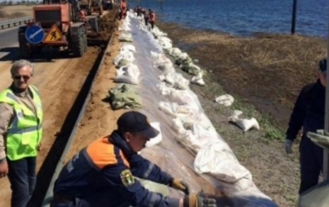 На участке федеральной трассы Тюмень–Омск в Абатском районе строят дамбу