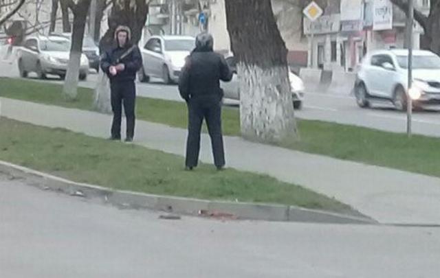 Ростовчане вызвали полицию из-за подозрительного чемодана на Шолохова