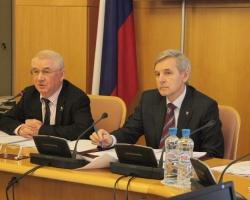 В Тюменской области реализуются программы по защите детей-сирот