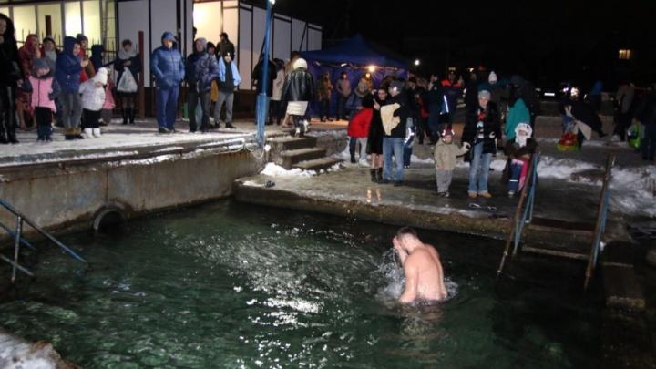 «Чувствую бодрость и адреналин»: рассказываем, как проходили крещенские купания в Ростове