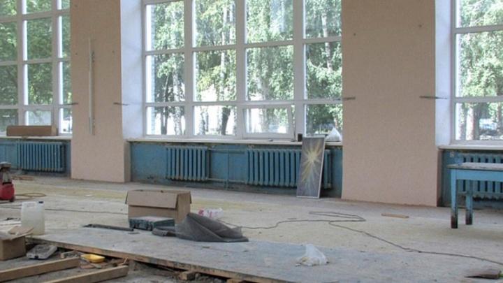 В Вельском районе мужчина погиб, делая ремонт в школе своей дочери